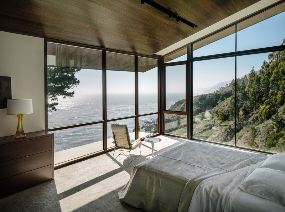 Спальня Биг-Сура c угловыми окнами