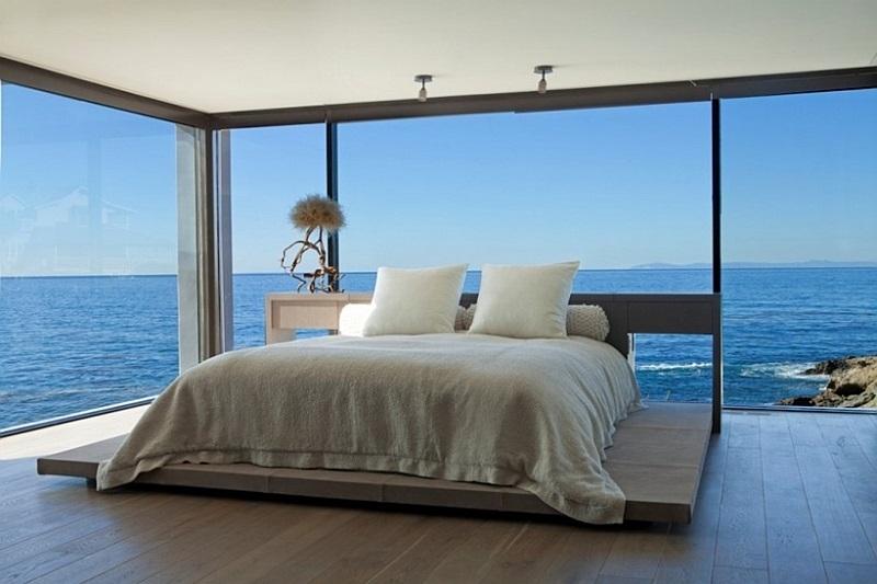 Спальня с видом на океан в Калифорнии