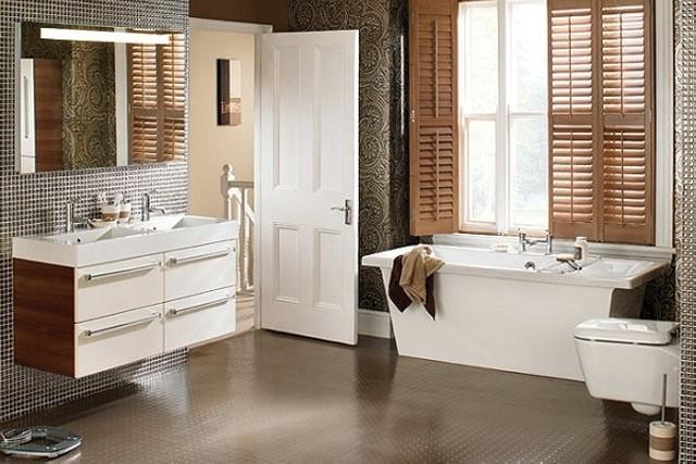 Резиновый пол в ванной комнате