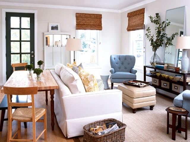 Маленькая комната выкрашенная в светлые цвета