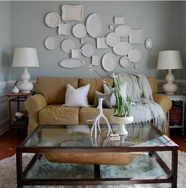 Простые материалы и предметы в качестве украшения гостиной