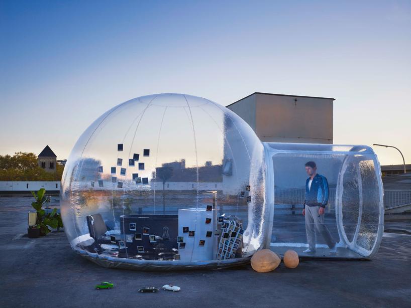 Здание из пузырей: надувной мобильный шар