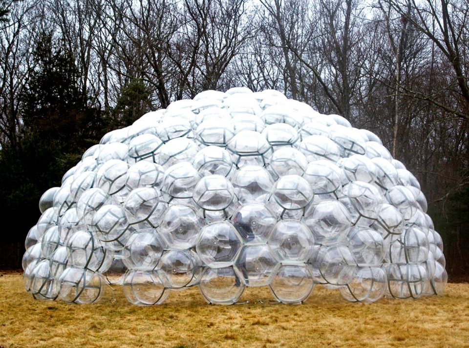 Здание из пузырей Bubble Dome
