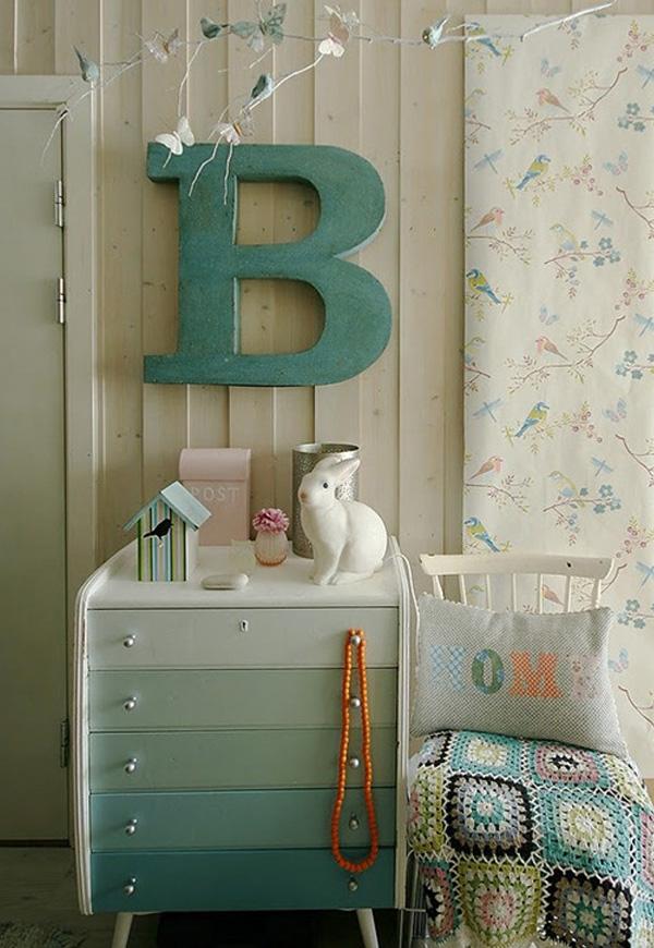 Как перекрасить детскую мебель своими руками