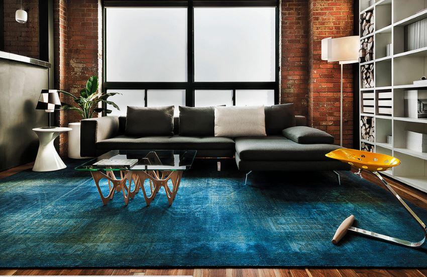 What color carpet goes