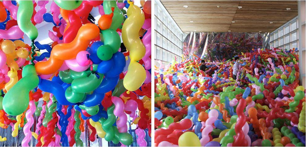 Конструкции Choi Jeong Hwa из волнистых воздушных шаров