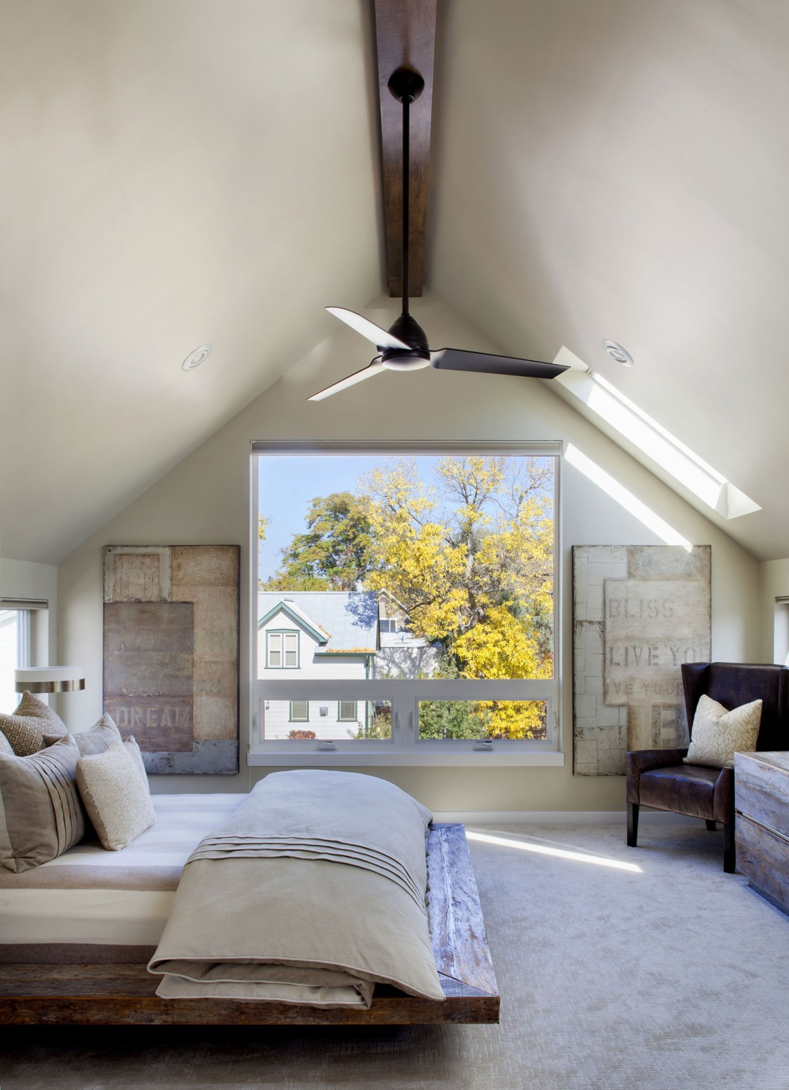Шикарные шторы в дизайне интерьера помещения