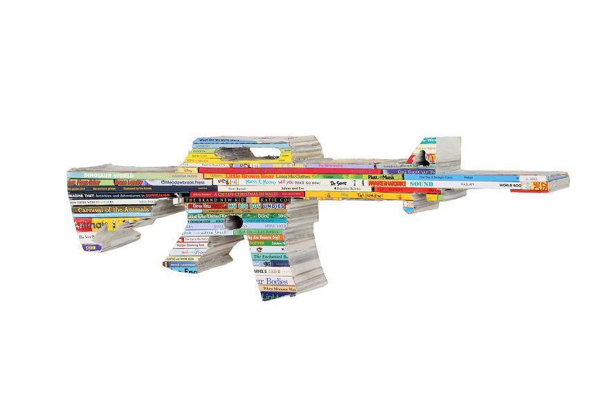 Макет автомата из разнообразных книг