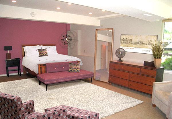 Яркое оформление спальной комнаты
