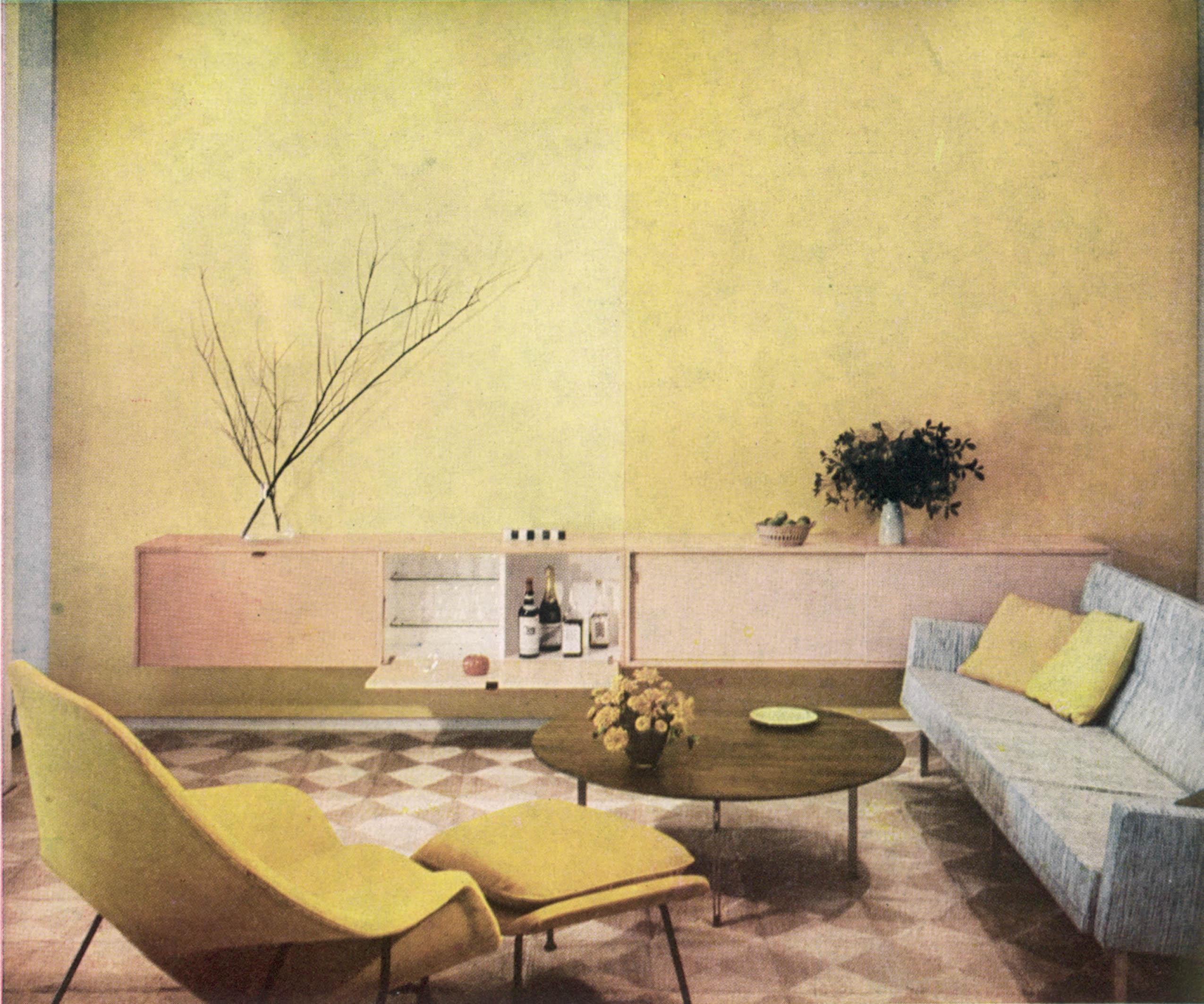 Интерьер гостиной 70-х годов