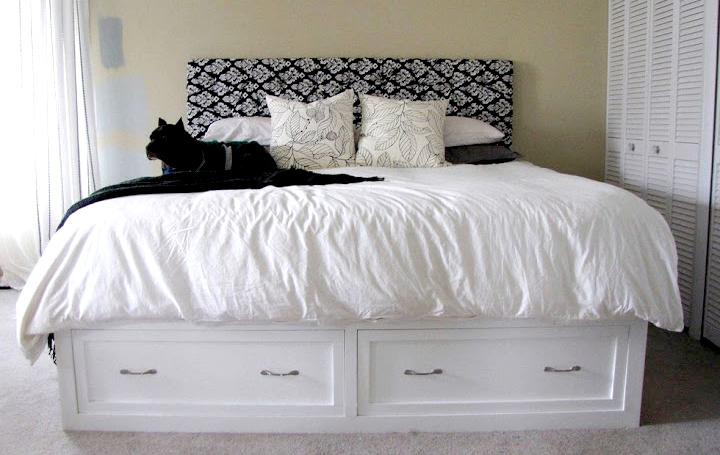 Современный дизайн кровати с полочками