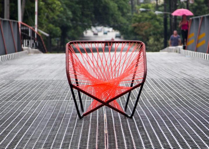 Красное кресло Vibra от Райко Валладареса и Хосе А Вильи