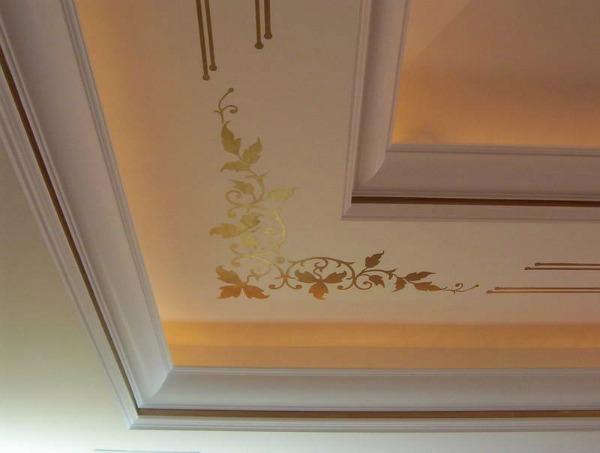 Декоративная роспись на потолке