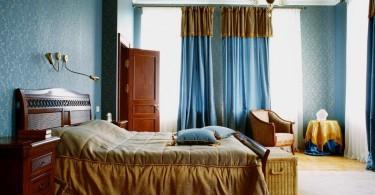 Красивое постельное белье в спальне