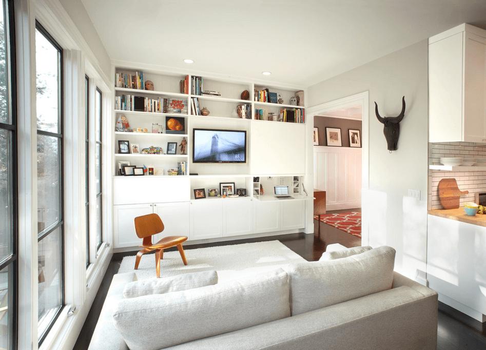 Белая система в гостиной