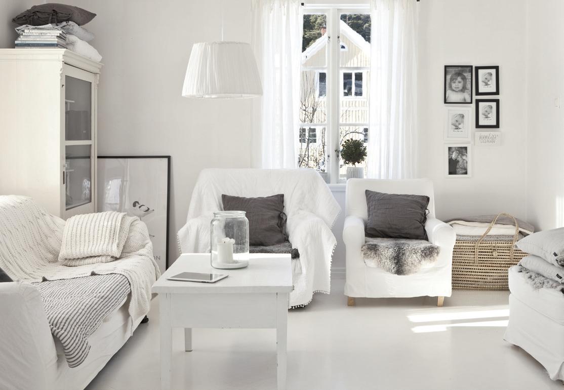 Белая мебель для гостиной зоны