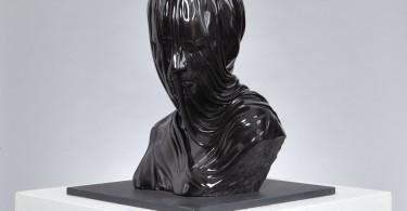 Завуалированные фигуры из мрамора и бронзы от Kevin Francis Gray
