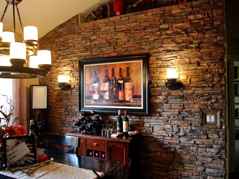 Сногшибательное оформление стен интерьера декоративным камнем