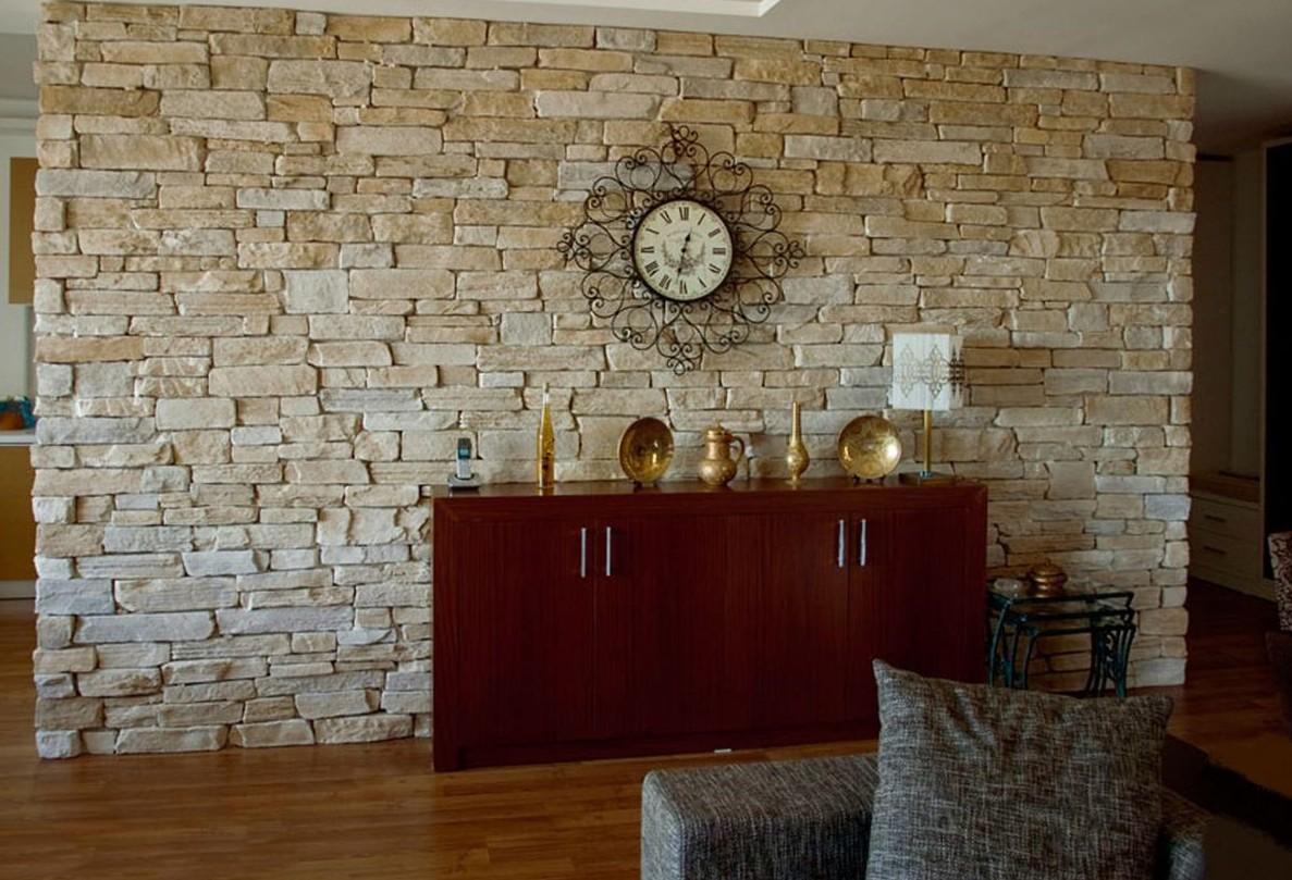 Уникальное оформление стен интерьера декоративным камнем