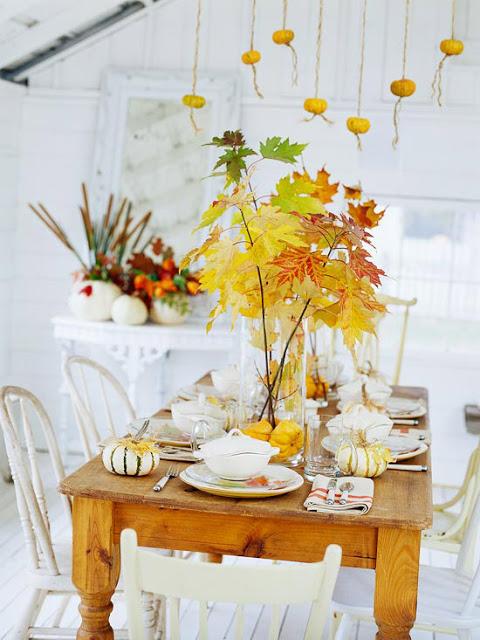 Листья на столе