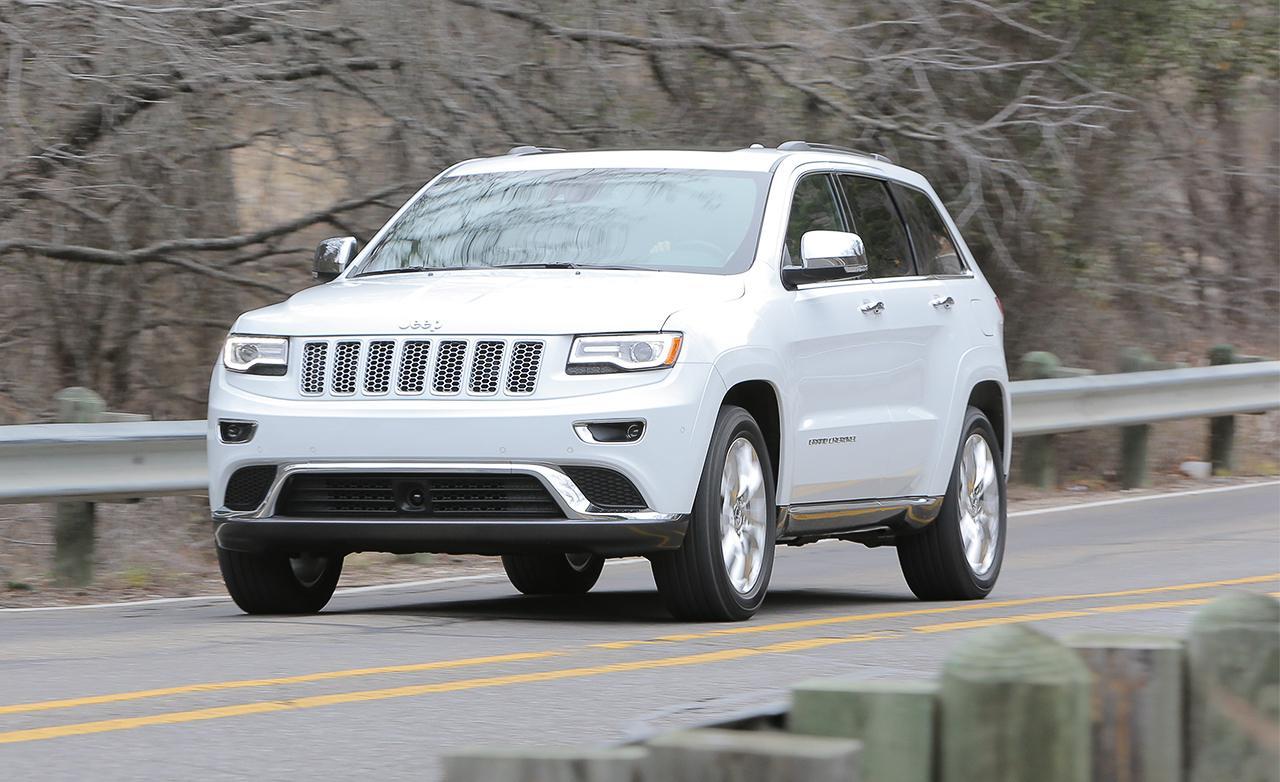Белый Jeep Grand Cherokee 2014