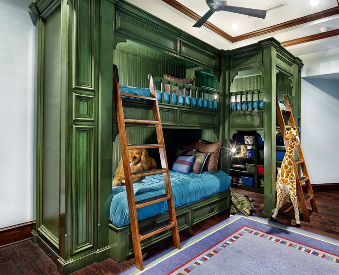 Зеленая двухъярусная кровать