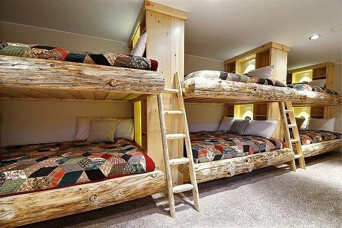 Массивная основа двухъярусной кровати