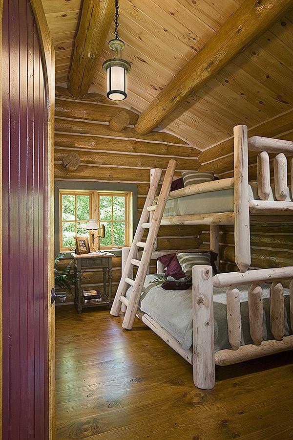 Двухъярусные кровати из отшлифованного дерева