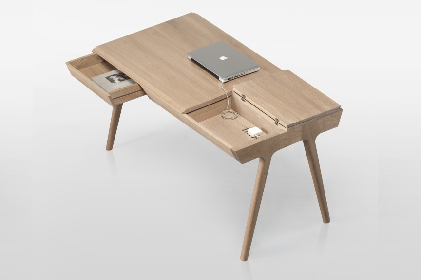 Деревянный авторский стол