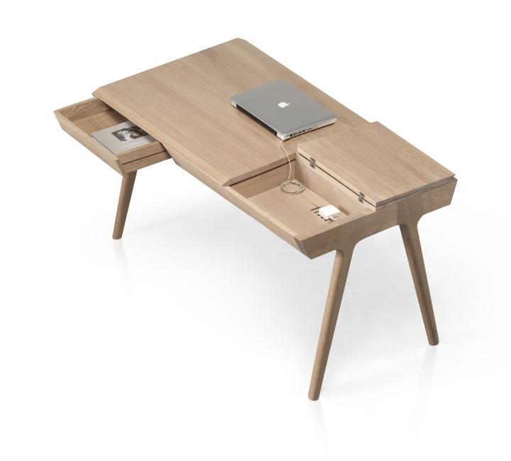 Выдвижной ящик в столе