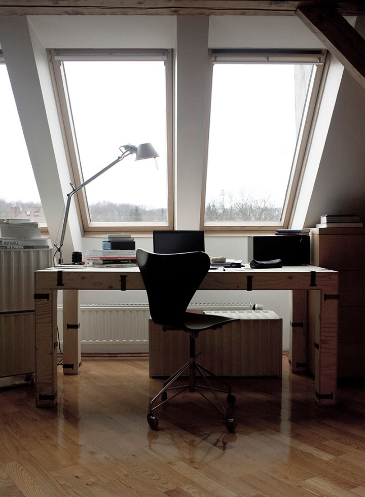 Дизайнерский рабочий стол из дерева