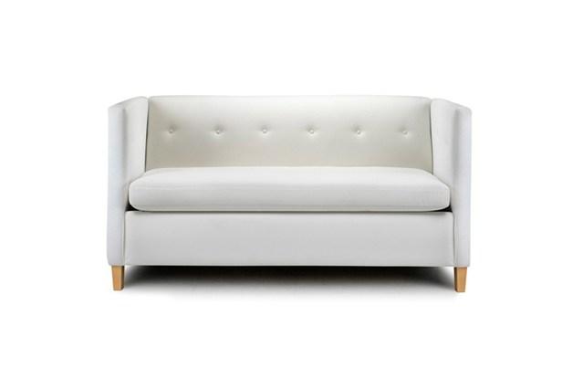 Белый диван узкой формы