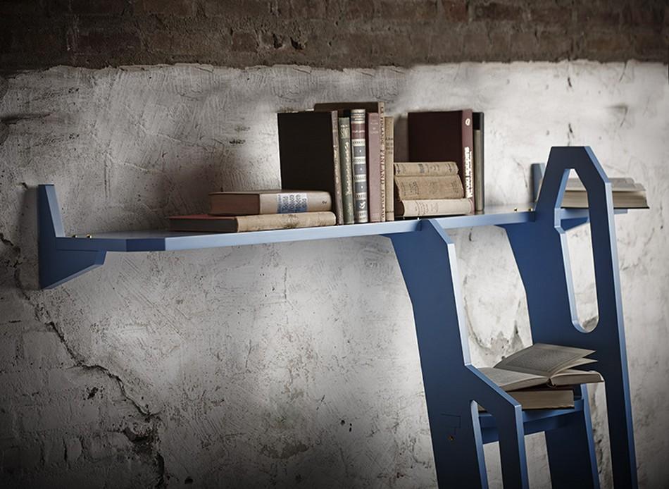 Полка для книг в синем цвете