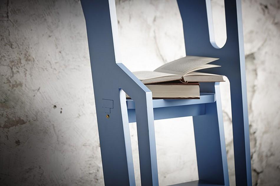 Лестница в качестве места для хранения книг
