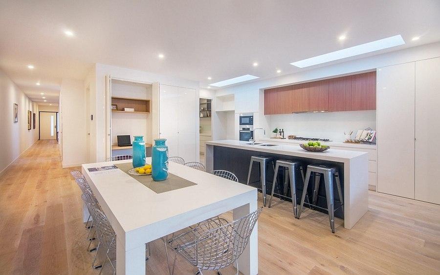 Кухня со столовой в Brighton Duplex
