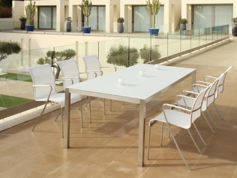 Чудесный складной стол на террасе