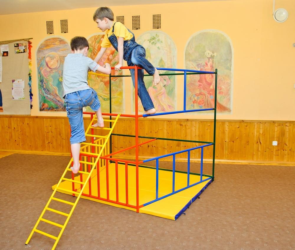 Красивый детский спортивный комплекс Ранний старт