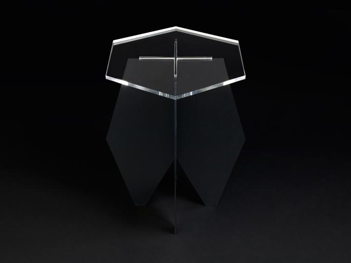 Журнальный столик черно цвета
