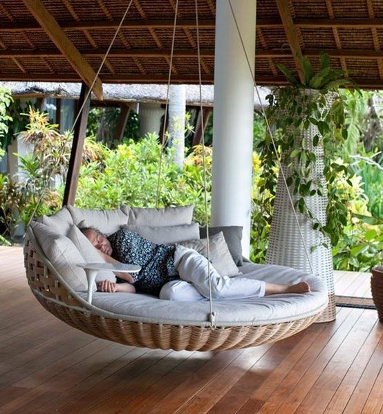 Кровать-качели