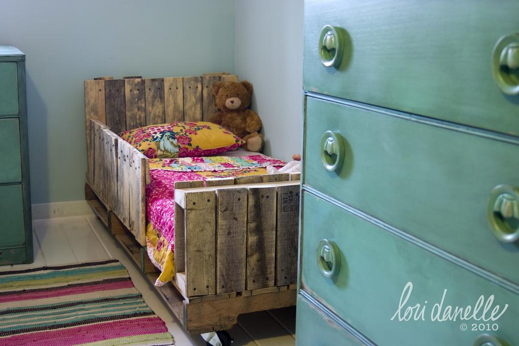 Кроватный ящик, как спальное место для собаки
