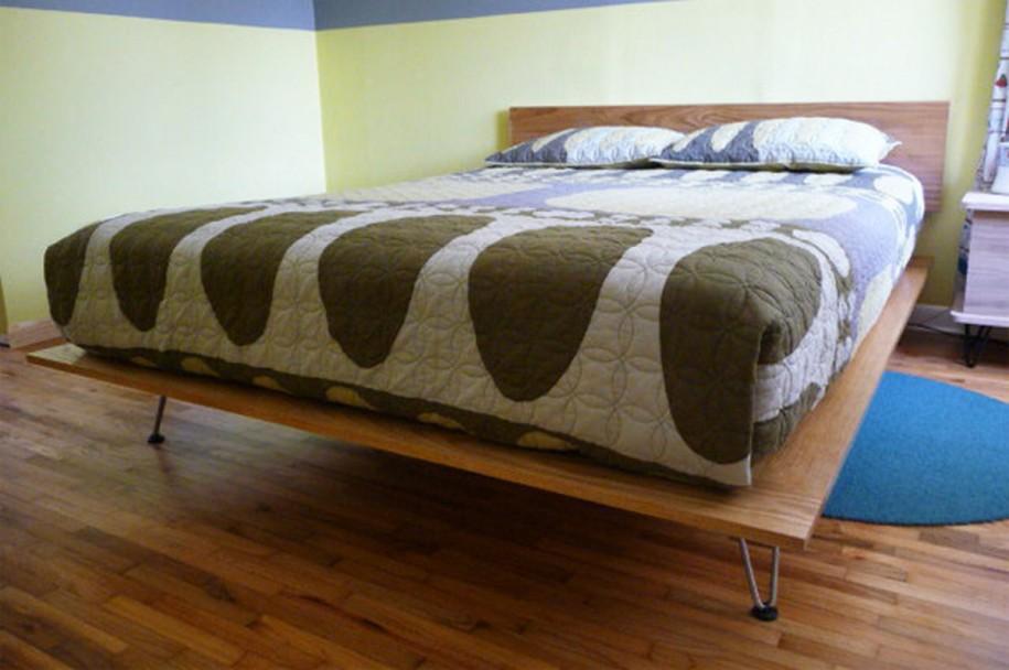 Платформа-постель с ногами-шпильками