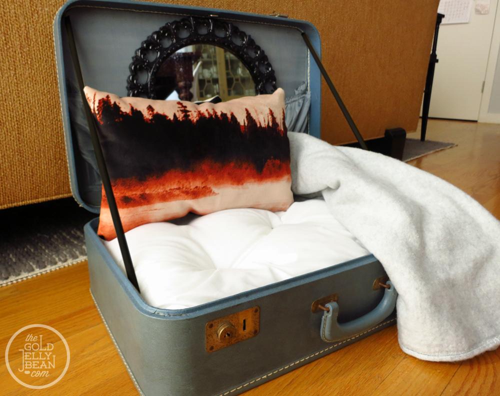 Раскладная кровать с выдвижным ящиком