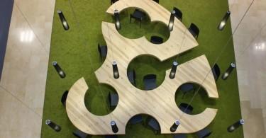 Стол в виде палитры от Menéndez and Gamonal Arquitectos