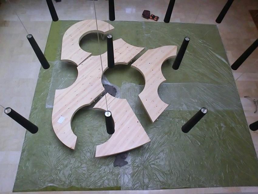 Необычные формы частей складного стола