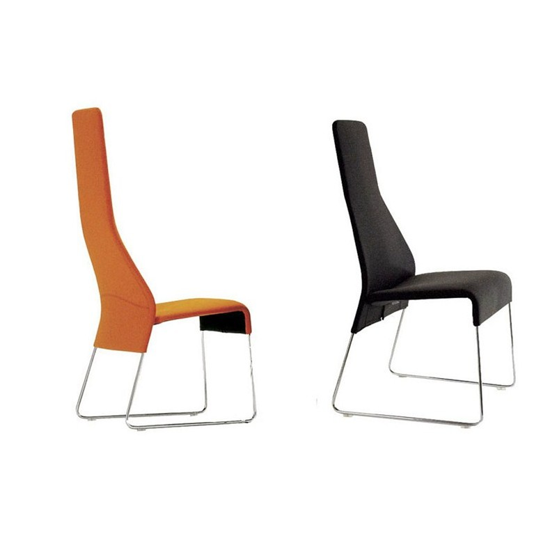 La famosa diseñadora de muebles Patricia Urquiola y sus diseños originales.