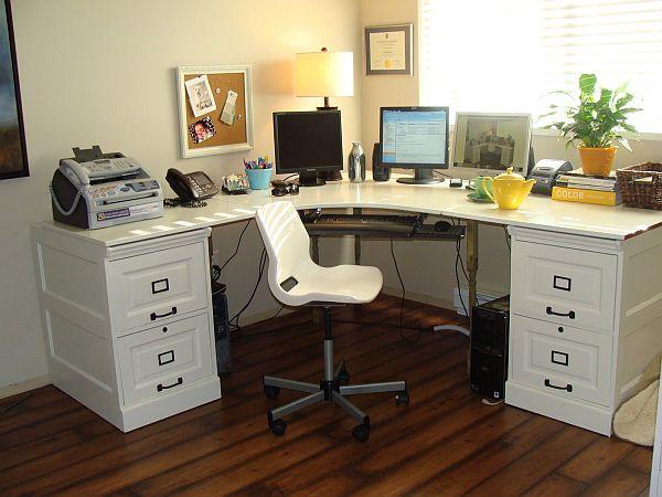 Белый угловой стол