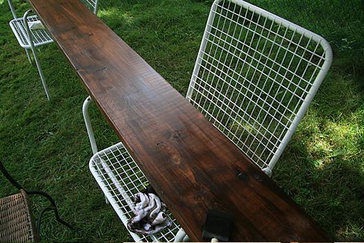 Деревянная фанеры в качестве стола для работы