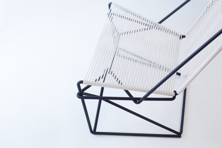Прозрачная сидушка кресла CR45 от Many Hands Design