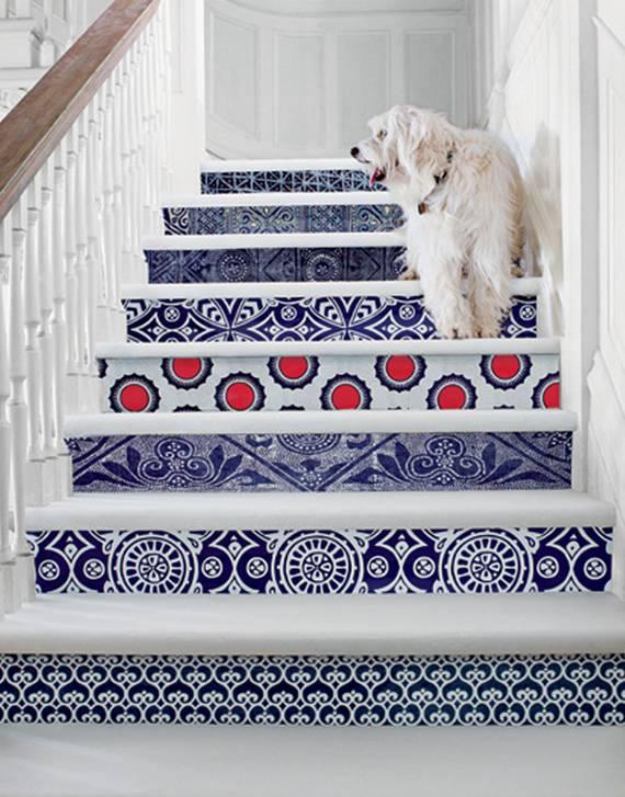 Узоры на ступеньках лестницы