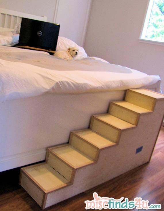 Лестничка к спальной кровати